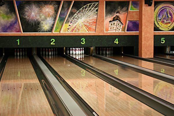[Lokal Paderborn] Bowling für 99 Cent pro Spiel, pro Person inkl. Leihschuhe in den NRW Ferien