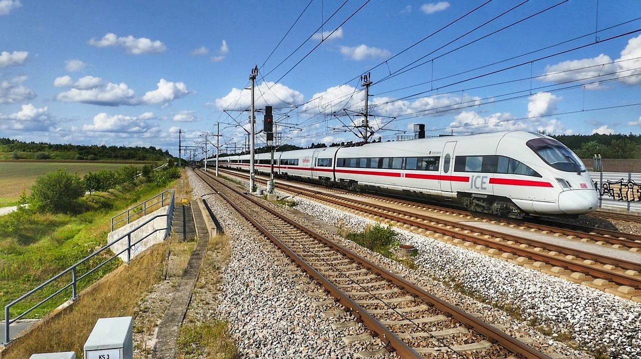 Deutsche Bahn: 10€ Rabatt ab 29,90€ Fahrkartenwert mit Nutella von 15.07. bis 30.09.