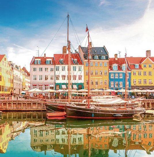 Flüge: Kopenhagen [Juli - Okt.] Hin und Zurück von Köln, Düsseldorf und Stuttgart nach Kopenhagen ab nur 3€ mit Amex bzw. ab 14€ mit Visa