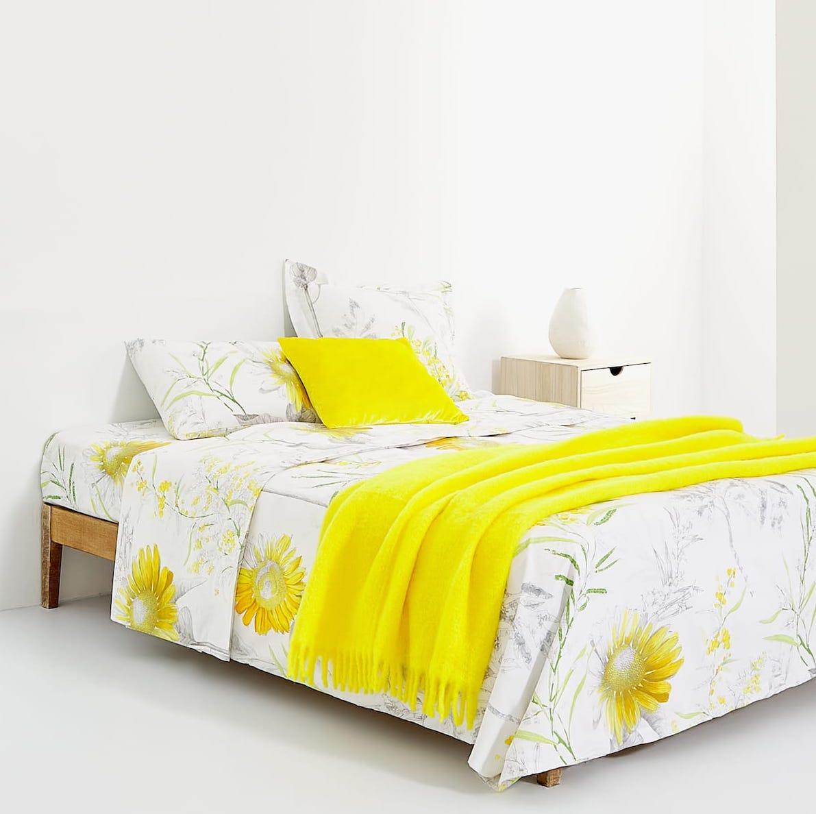 Großer Sale bei Zara Home, z.B. 2er-Set Kopfkissenbezüge mit Sonnenblumen aus Baumwolle, 60x60cm (Filialabholung)