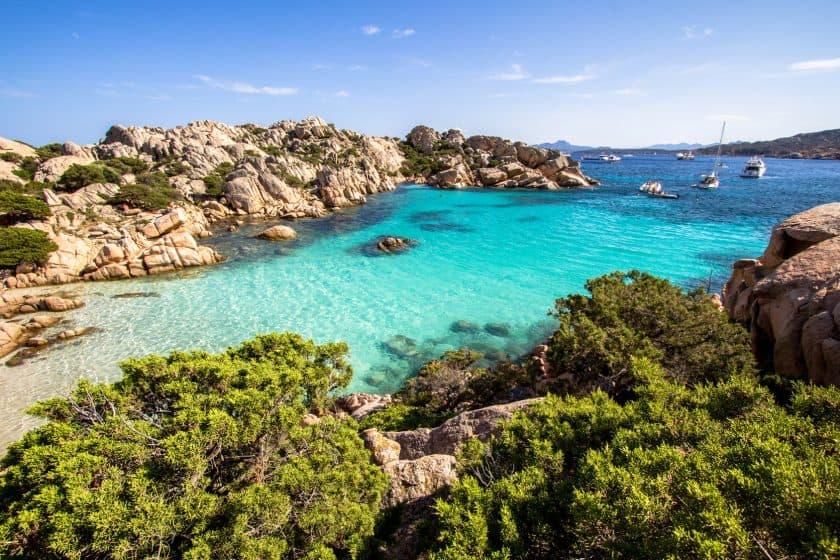 Sardinien im Juli - Oktober für 80€ für Hin+Rückflug inkl. Gepäck & Sitzplatz