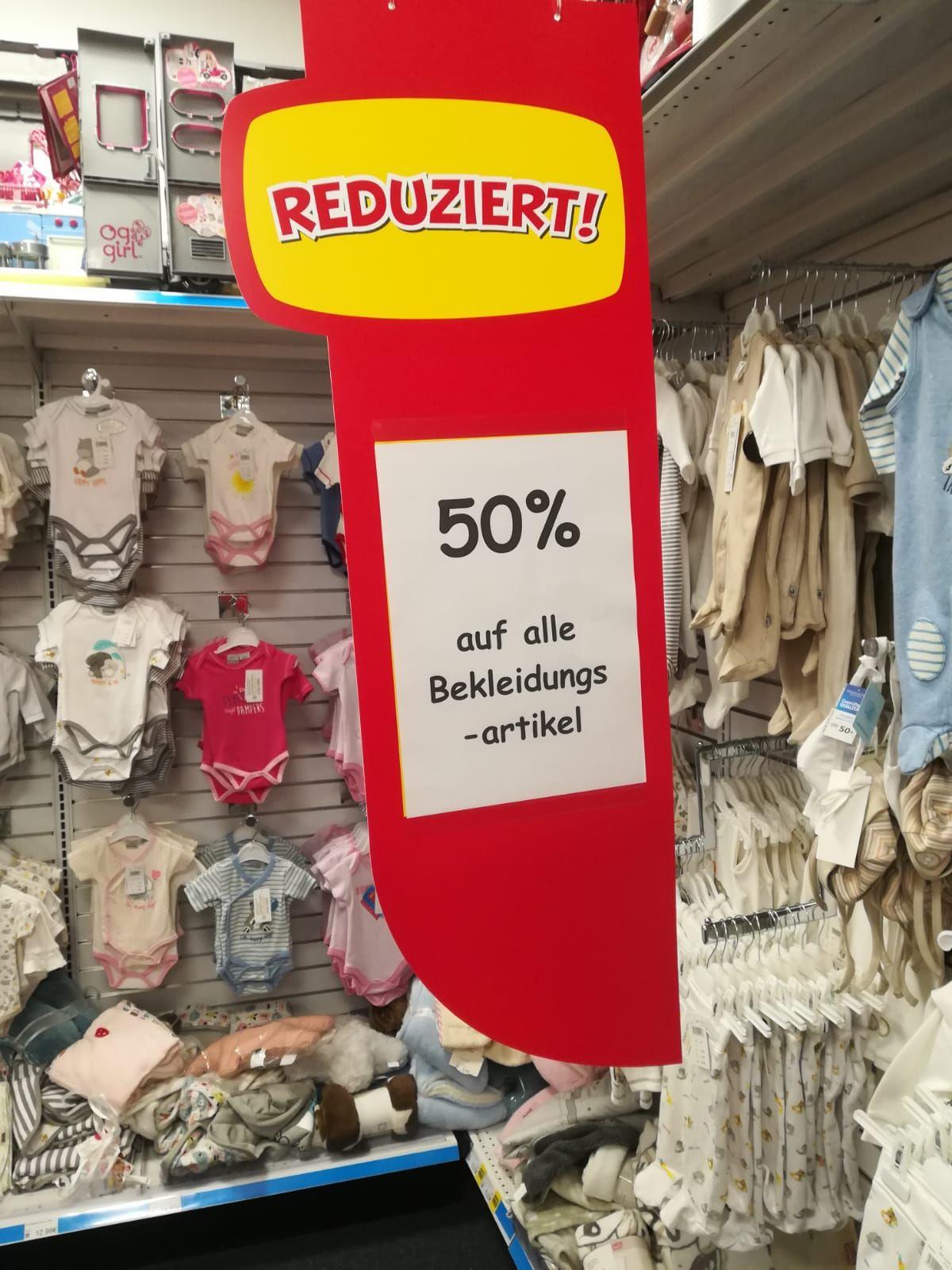 [Lokal] Düsseldorf Smyths toys - reduziert Babybekleidung um 50 %, auch auf reduzierte Ware.