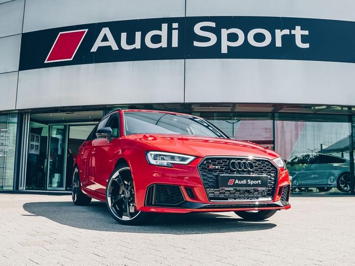 Audi RS 3 Sportback im (Privat)-Leasing für 299 € / Monat - Leasingfaktor 0,7 - SZ 5.500 € - 36 Mon. - 10.000 km / Jahr