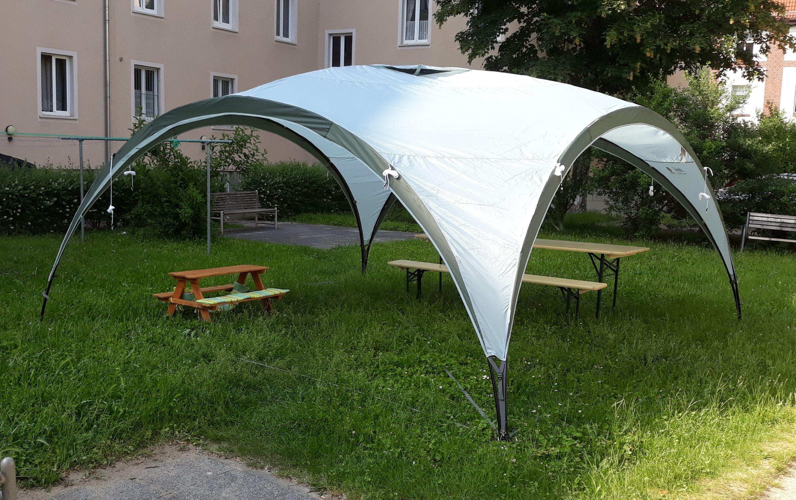 Coleman Event Shelter 4,5 x 4,5m mit Stahlgestänge grün UV-Schutz Zelt Partyzelt Pavillon - Seitenwände [Prime]