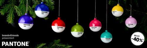 Pantone Weihnachtskugeln bei B4F