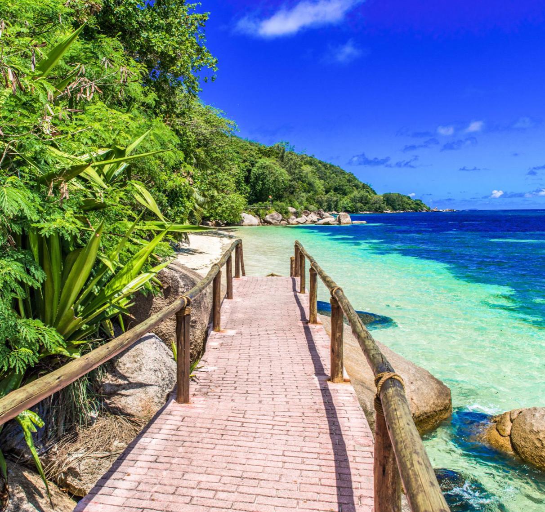 Flüge: Seychellen [Sept.] Hin und Zurück nonstop von Frankfurt nach Mahé ab nur 314€