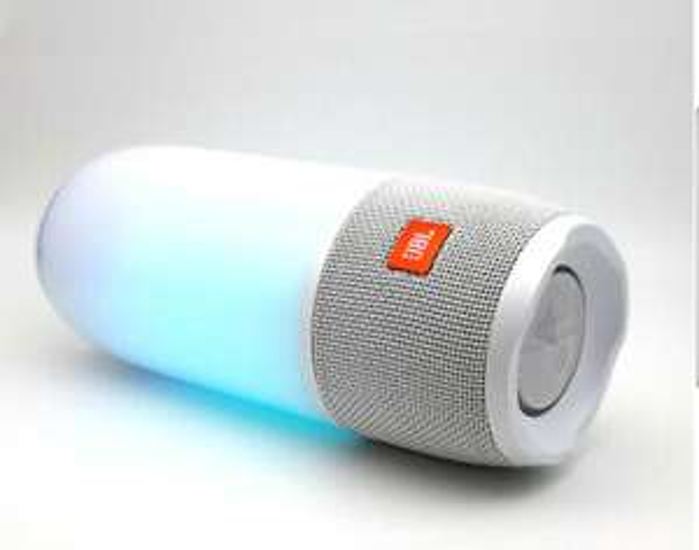 JBL Pulse 3 Mobiler Bluetooth Lautsprecher. Farbe weiß. Versandkostenfrei