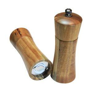 Salz & Pfeffermühle aus Akazienholz