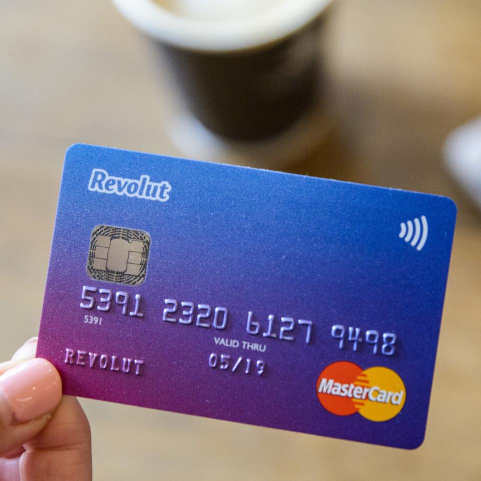 Kostenlose Revolut Prepaid-Kreditkarte mit 15€ Startguthaben + 15€ KWK (ohne Schufa, ohne Fremdwährungsgebühren)