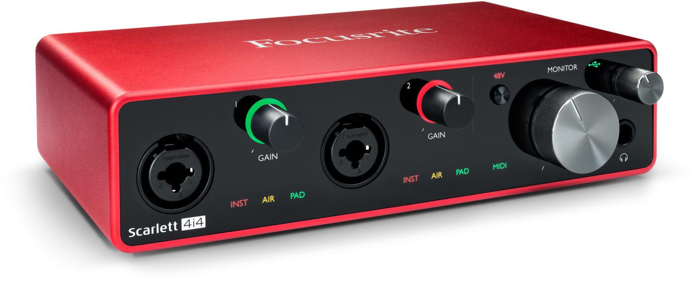 Focusrite Scarlett 4i4 3rd Gen (USB-C, 24 Bit/192 kHz, 2 Mic-Preamps, 4 Eingänge mit 2x XLR/6.35mm-Kombi, 4 Ausgänge 6.35mm, MIDI In/Out)