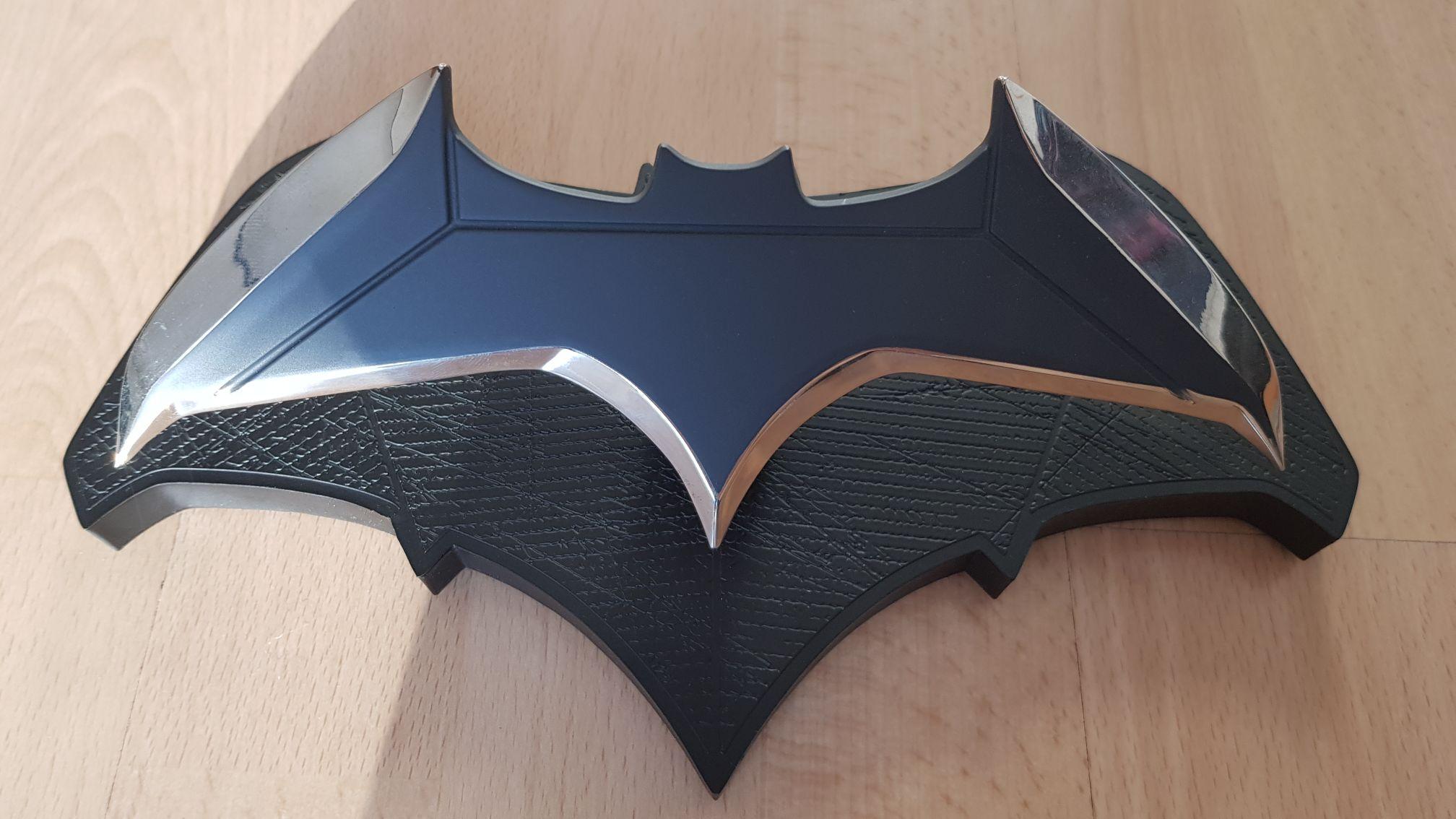Quantum MECHANIX DC Comics Batman Batarang 1/1 Scale Prop Replica