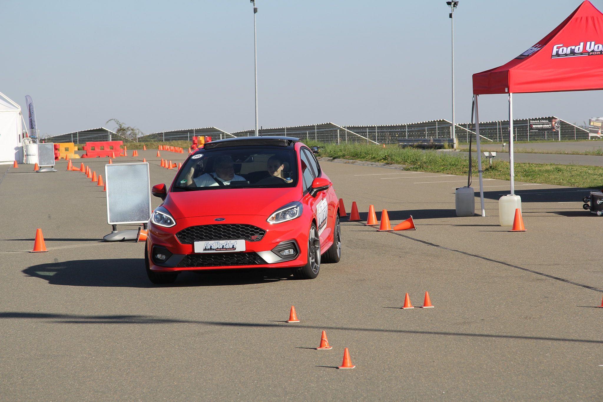 Kostenloses Fahrsicherheitstraining in Recklinghausen und Kiel