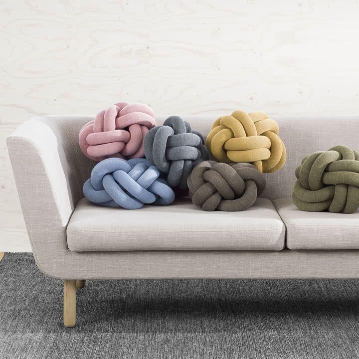 Design house Stockholm Knot Kissen in vielen Farben [NordicNest]