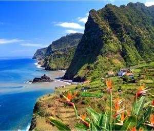 Flüge: Madeira [Nov. - März] Hin und Zurück von Basel nach Funchal ab nur 28€ / ab 18€ bei Reise zu zweit