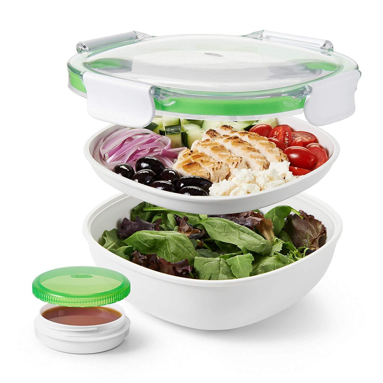 OXO Good Grips Salatbox-to-go (2 separate Fächer, extra Behälter für Dressing, Clip-Verschluss) [MediaMarkt Abholung o. Amazon Prime]