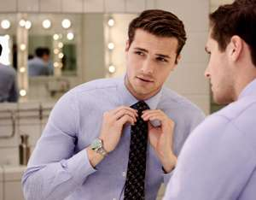 T M Lewin Krawatten (je 22,95€) / Hemden (je 25,95€), zB: Sky Blue Twill Fitted Shirt