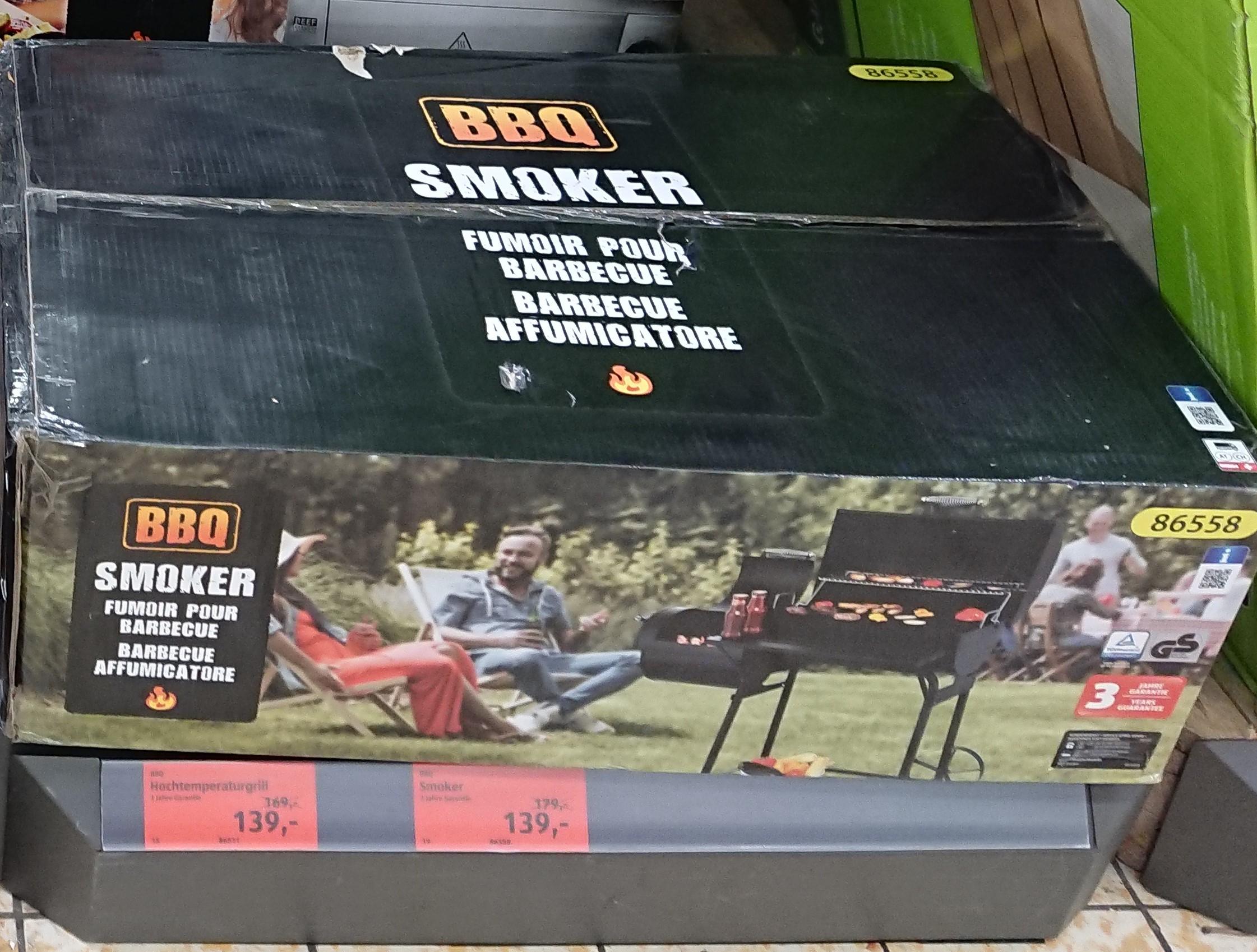 Smoker für Barbecue - BBQ bei Hofer im Sale (ggf. nur in ausgewählten Geschäften)