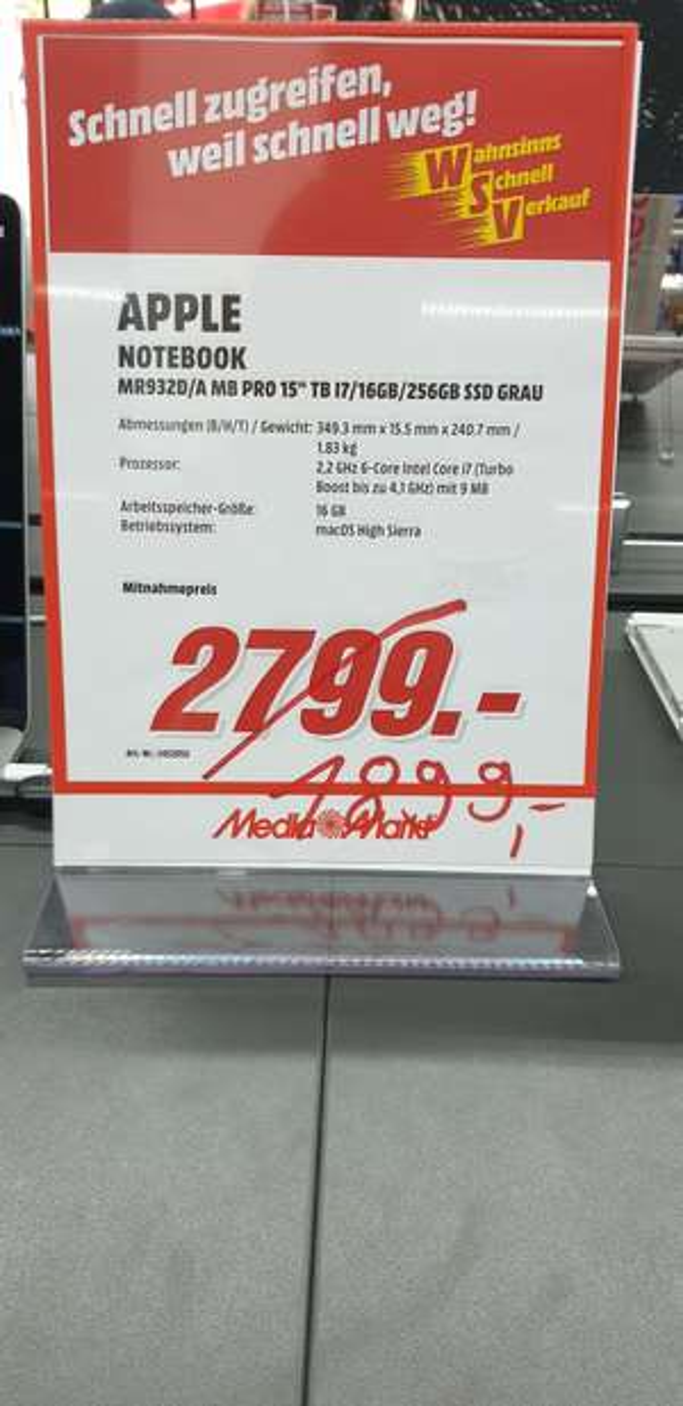 Apple MacBook Pro 15 i7 16GB RAM 256GB SSD MM Lokal Leer