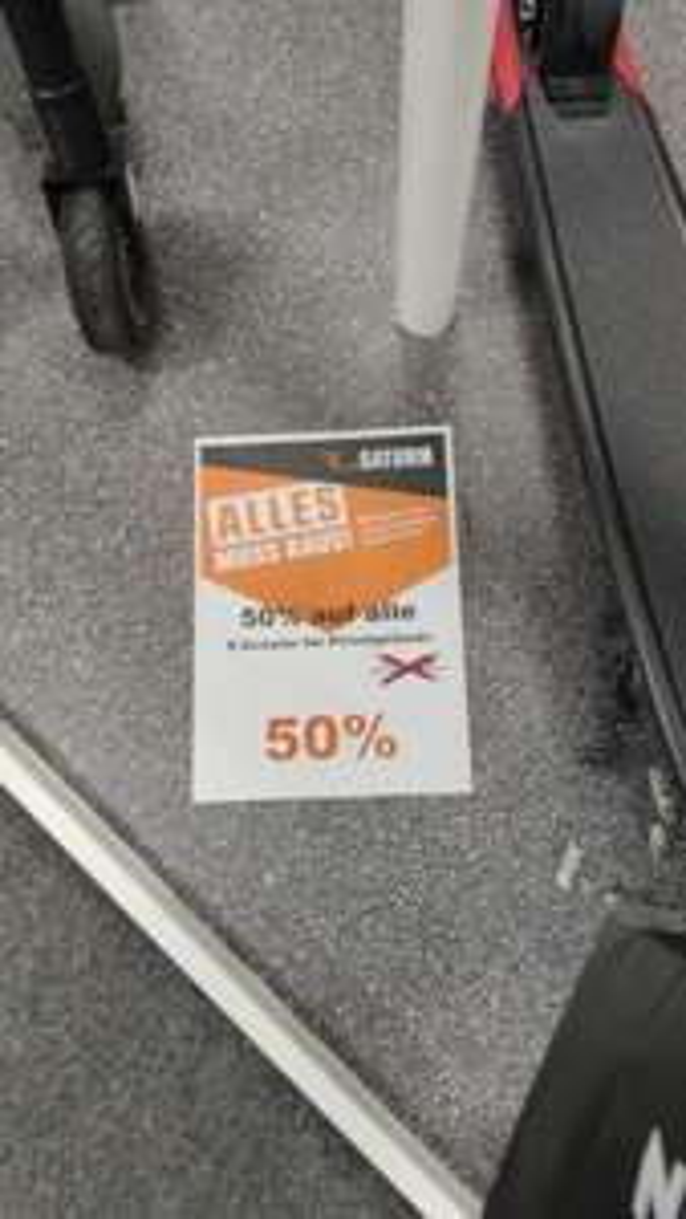 50% auf E-Roller. Xiaomi M365 für 179 Euro. Lokal Mülheim Saturn.