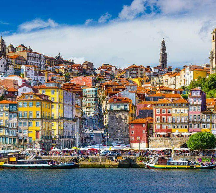 Flüge: Portugal ( Dez ) Hin- und Rückflug von Nürnberg, Hamburg und Bremen nach Porto ab 11€