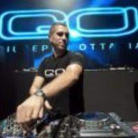 Giuseppe Ottaviani - Life Gate (Club Mix 2012) gratis für 100k FB-Fans