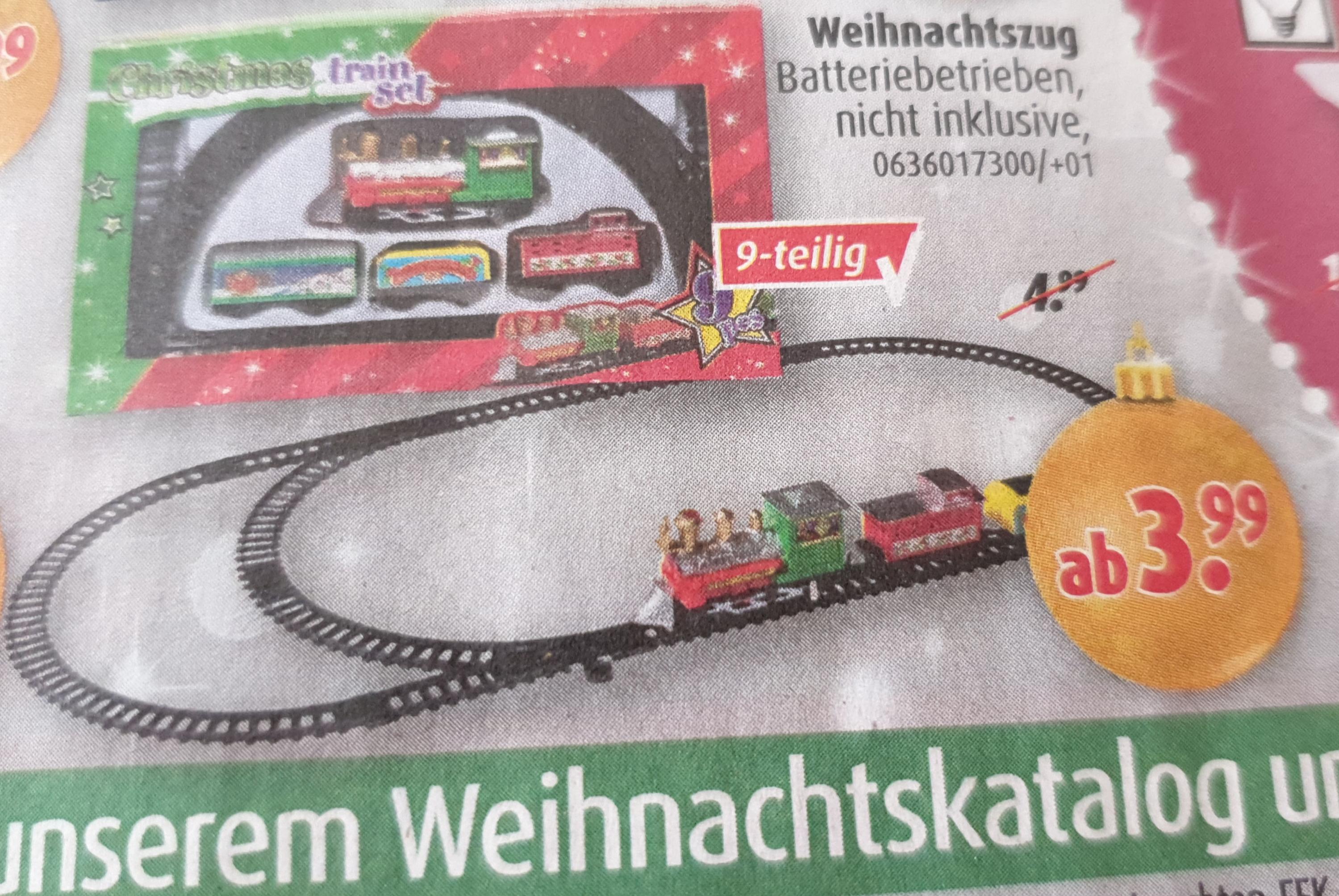 [ Roller ] Weihnachtszug Batteriebetrieben 9-teilig