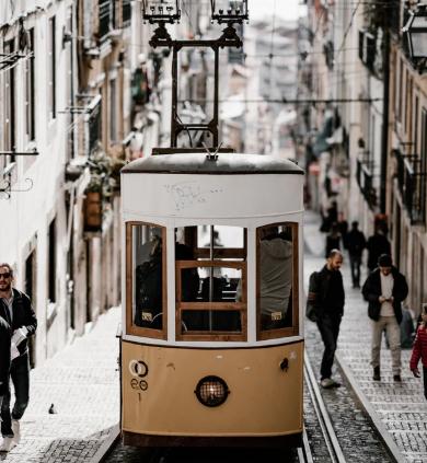 Flüge: Lissabon / Portugal ( Nov-Jan ) Hin-und Rückflug von Memmingen ab 11€
