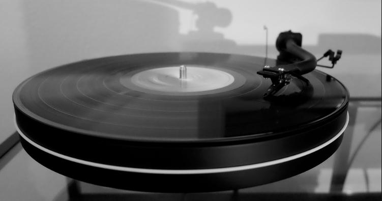 Über 120 Vinyl im Angebot versandkostenfrei bei Saturn