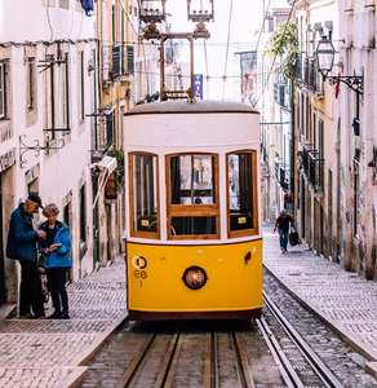 Flüge: Lissabon [April - Juni / Aug. - Okt.] Hin und Zurück mit TAP Air Portugal von Hamburg, Berlin und Luxemburg ab nur 44€
