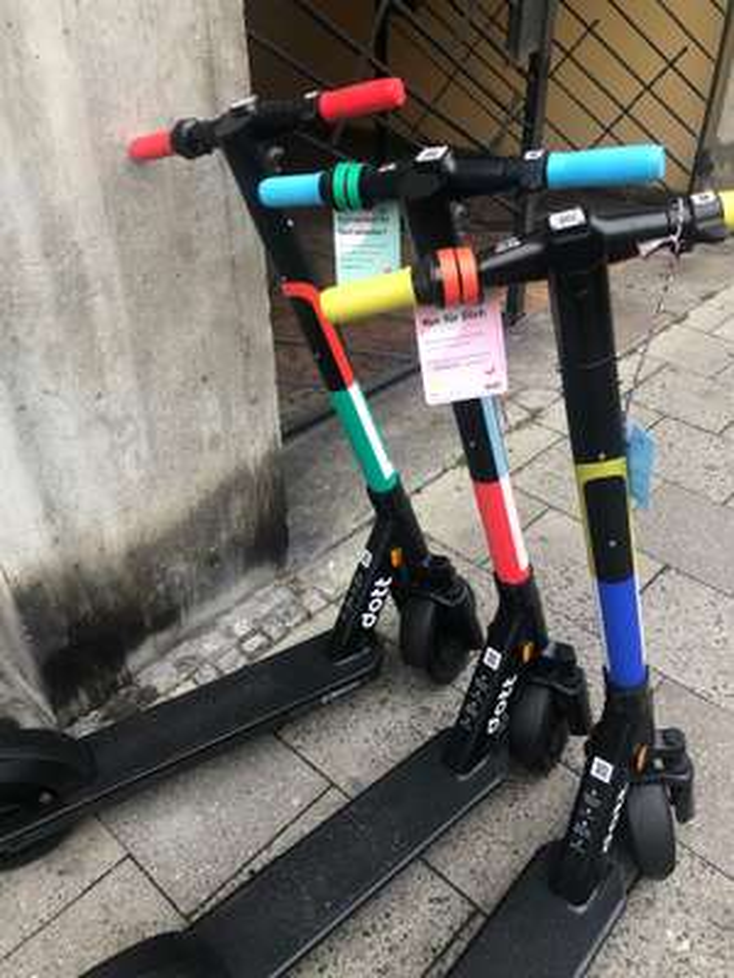 [lokal München] E-Roller Dott - 2 kostenlose Entsperrungen mit Code