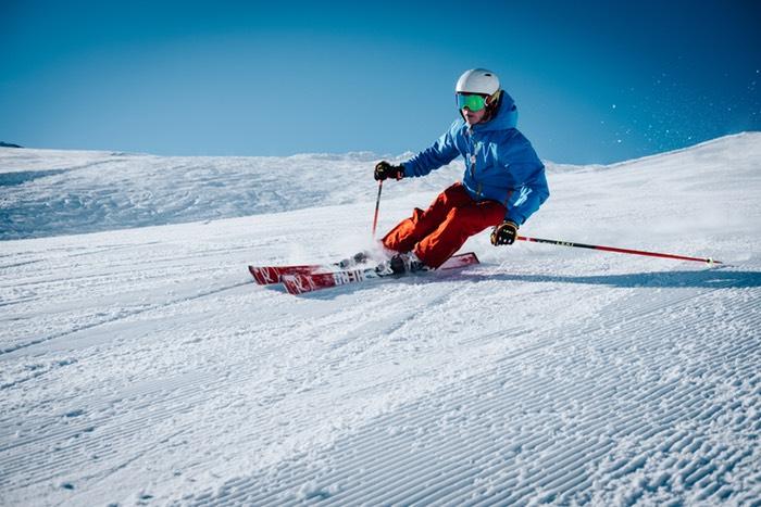 20% auf Ski und Ski Zubehör (Jacken, etc)