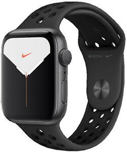 Apple Watch Series 5 Nike 44mm (GPS+Cellular) @eBay (SATURN)
