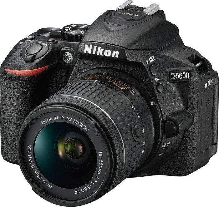 NIKON D5600 Kit Spiegelreflexkamera + 50€ Gutschein