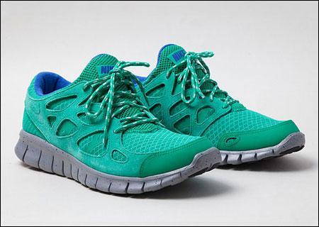 Sidestep Sneakers SALE / Nike Free Run+ 69,90/ Nike Capri Canvas 29,90