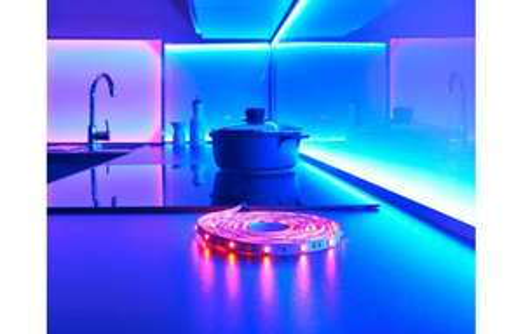 RGB Led Lichtband 3m oder 5m inkl. 12v Adapter u. Fernbedinung ohne Netzteil