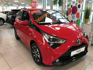 Toyota Aygo 1,0 x-play club 52 € /Monat 10.000 km / 30 Monate