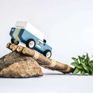 """Candylab Toys """"GT 10"""" / """"CandyCab"""", """"Woodie"""" Spielzeug Auto Holz // Waxed Canvas Tasche ab 70 Euro"""