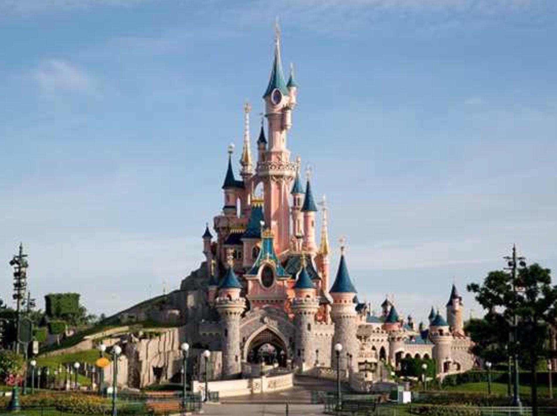 Last Minute Weihnachtsgeschenk: Gutschein fürs Disneyland: 1 Nacht inkl. Frühstück + Eintritte für Zwei + 20€ Gutschein für euch