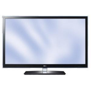 107cm LG Cinema 3D LED Fernseher 42LW4500 DVB-T/C FullHD  mit sieben 3D Brillen @ Real für 399