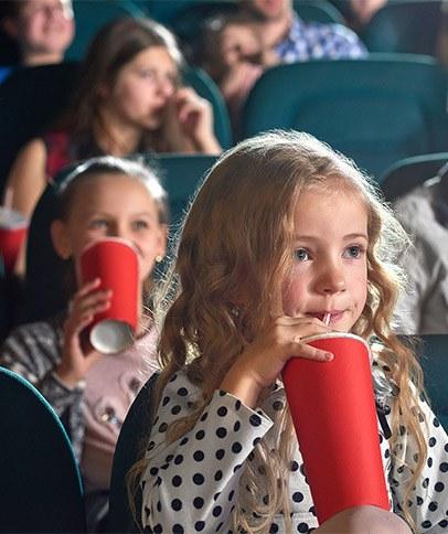 MEIN ERSTER KINOBESUCH - verschiedene Kinoketten - 2 Personen + Softdrink 8€ oder Popcorn 8,5€