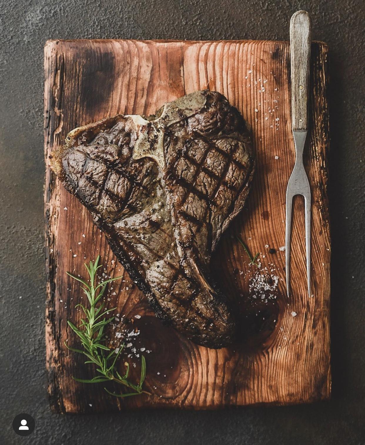 [Metro] Emsrind Dry aged Porterhouse Steak | ca. 1000g Stücke für 19.78€ ab 23.01.2020