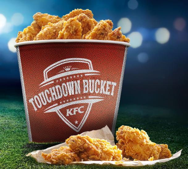 KFC Touchdown Bucket mit 40 Hot Wings + 2x Rockstar + Fan Helm für 24,99€ [KFC am 02.02]