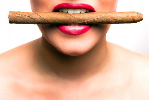 Kostenlose E-Zigarette + 9 weitere Artikel gegen Versandkosten @Eis.de