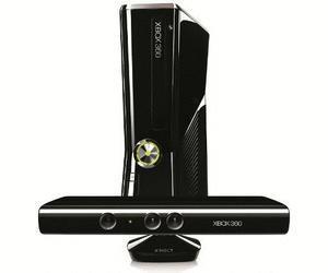 XBox 360 Kinect 250 GB inklusive 3 Spiele