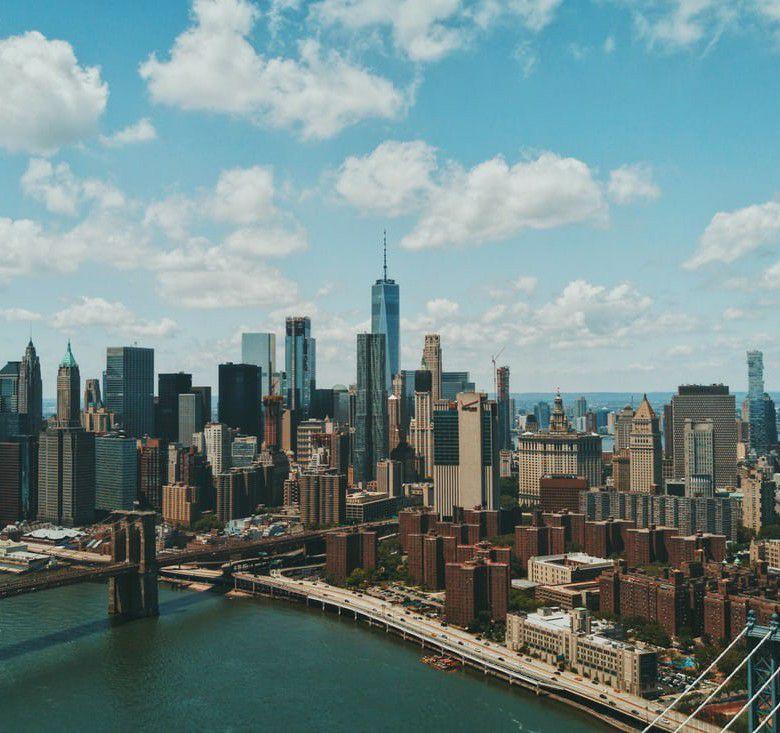 Flüge: New York / USA ( März-Mai ) Star Alliance Premium Economy von Amsterdam ab 480€
