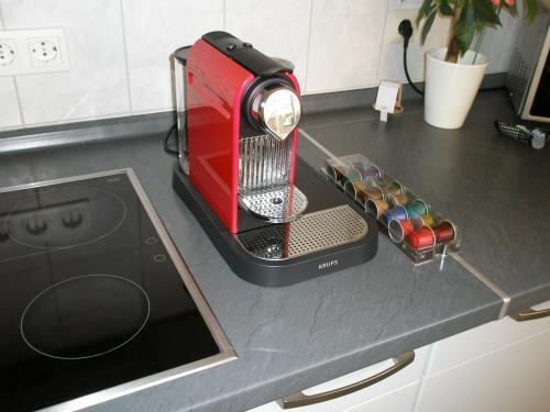 Nespresso KRUPS CitiZ & Milk XN 7106 red -- 149,- EUR SATURN online/offline -- effektiv 99,- EUR