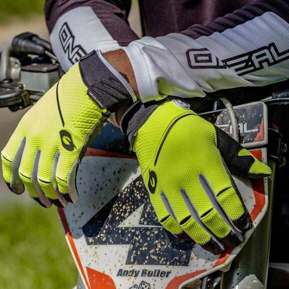 Ein paar Motorradhandschuhe im Angebot - zB Alpinestars Stella Faster (L) für 37,89€ statt 63€, O'Neal Revolution 2019 (M) uvm.