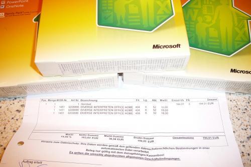 MediaMarkt zieht bei  3 für 2 mit , z.B. MS Office Home and Student 2010 sogar 4€ billiger