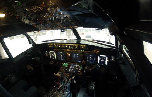 [Berlin] Für mydealzer: Boeing 737NG Flugsimulator fliegen - Ein echtes Cockpit mit Geschichte