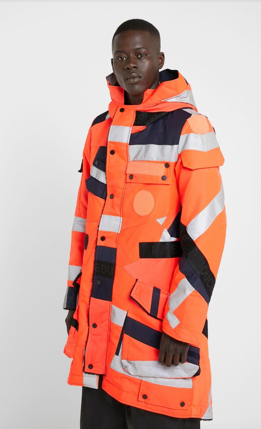 Safety first - Trendinger Parka im Feuerwehr-Stil mit starken 10% Rabatt